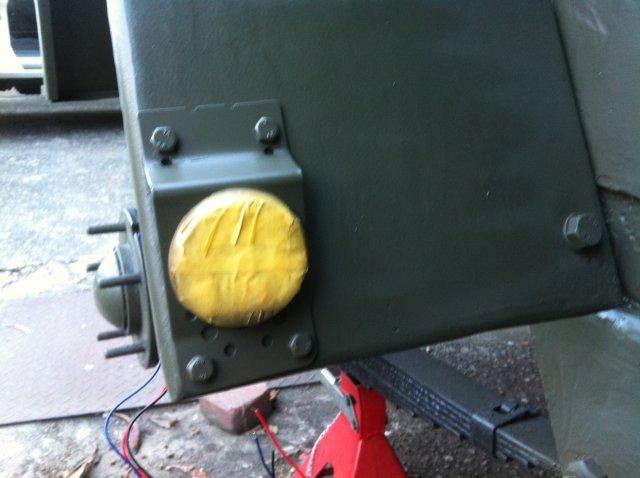 軍用トレーラーの車幅灯